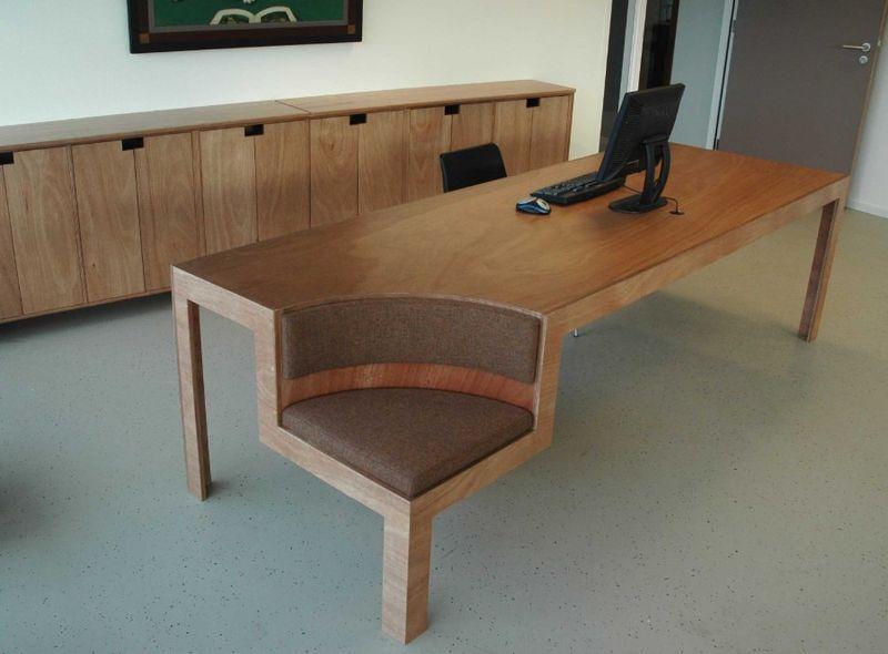 Deskchair1dif