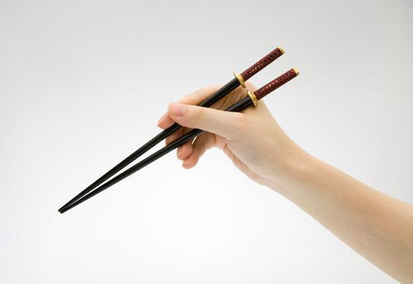 Samurai-sword-chopsticks-maeda-keiji-002_2