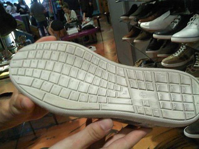 Qwerty-shoe