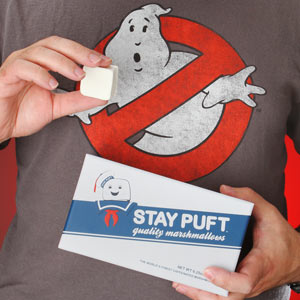 E59b_stay_puft_marshmallows_inhand
