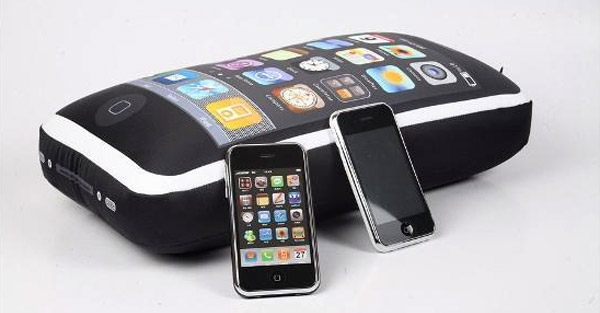 Icushion_iphone_pillow_3