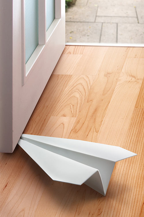 Eab4_paper_airplane_doorstop_door