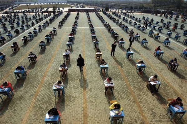 Exam-outside-in-China-634x422
