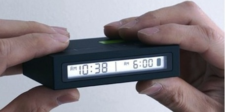 Attractive-innovative-Amazing-Jetlag-Travel-Alarm-Clock-for-Your-On-Time-Meeting-Schedule