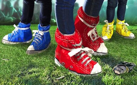 Festival-feet-blue