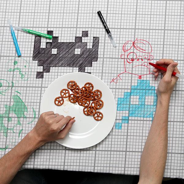 E93e_doodle_tablecloth_inuse