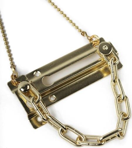 Bond-hardware-window-chain-neckwear-bxl