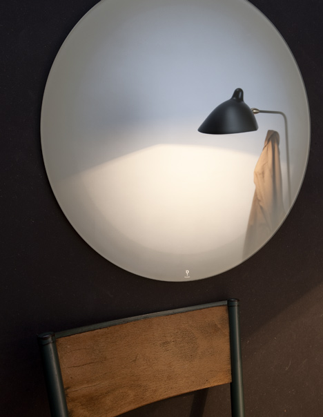 Dezeen_Fading-Mirror-by-Thomas-Eurlings-2