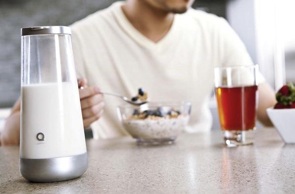 Milkmaid-smart-milk-jug-1
