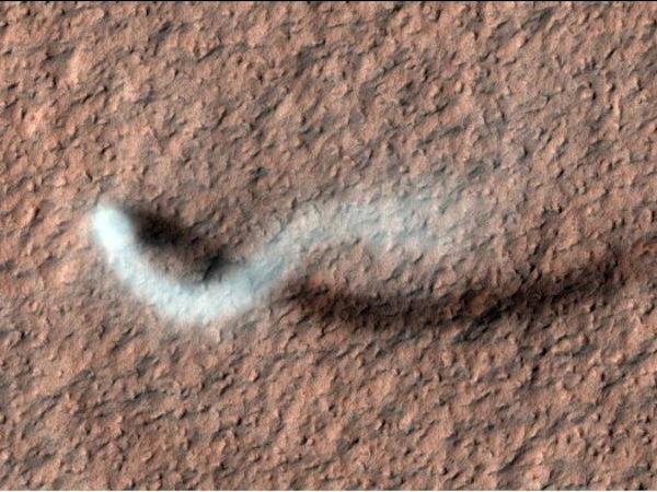 Mars-tornado-nasa-mro