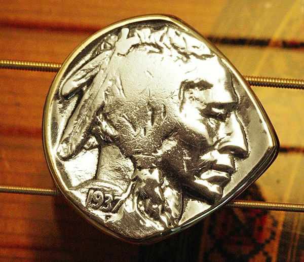 Coin-Guitar-Picks-4