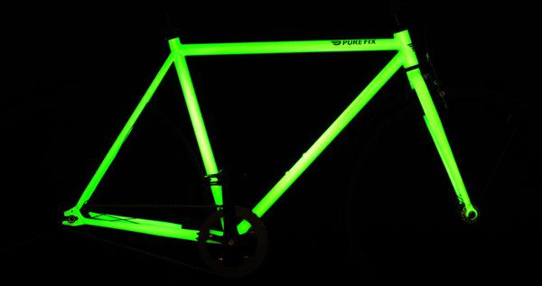 The-Kilo-Glow-In-The-Dark-Bike-frame-dark