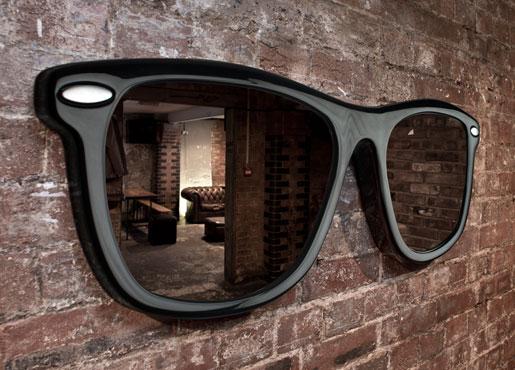 Looking-good-sunglasses-mirror-thabto