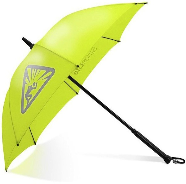 Bright-night-stridelite-illuminated-umbrella-2