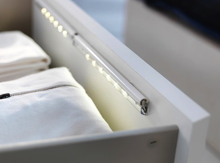 Dioder-battery-operated-lamp-for-drawers__0156082_PE296091_S4
