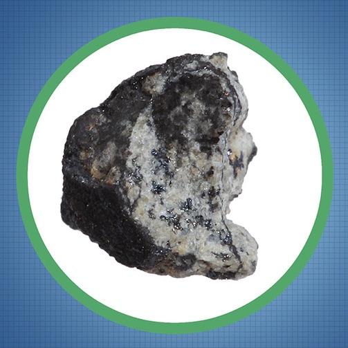 14e1_chelyabinsk_meteorite_fragment_closeup