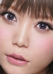 Hello-kitty-violet-contact-lens-2