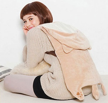 Wearable-feline-blanket