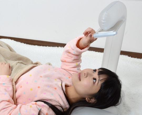 Bath-air-pillow-smartphones-thanko-3