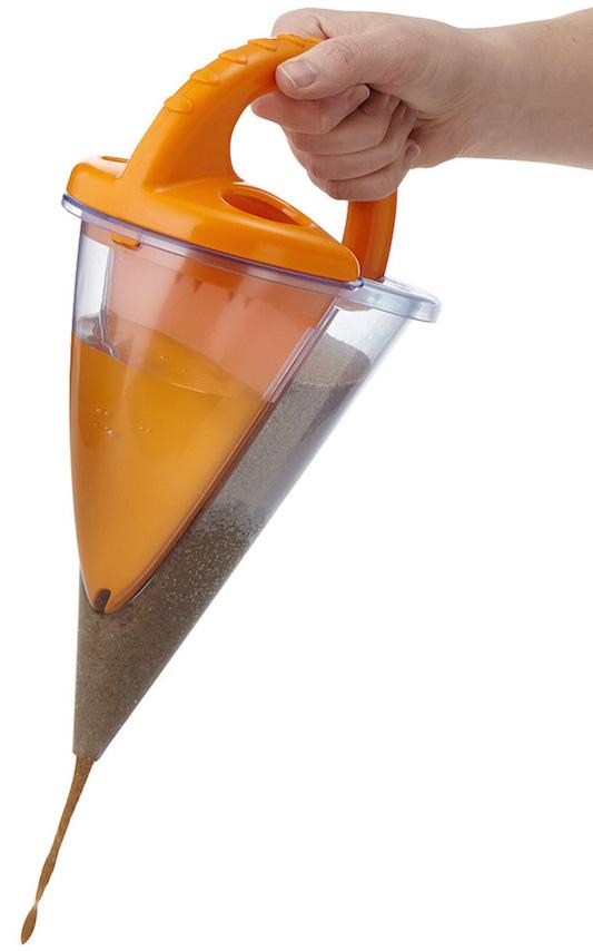 Haba-baudino-sand-spilling-funnel-xxl-2