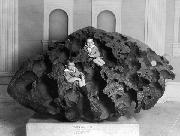 Willamette-Meteorite-1