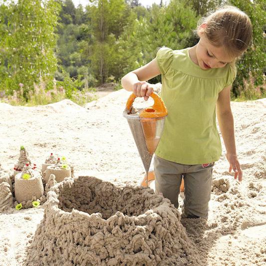 Haba-baudino-sand-spilling-funnel-xxl-1