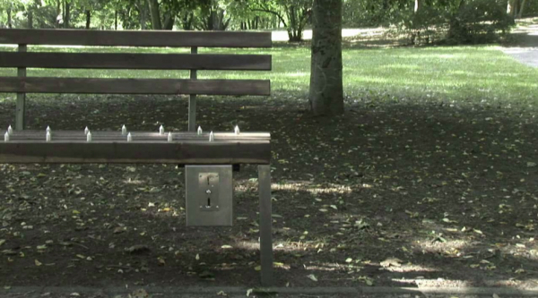 Pay-and-sit-bench