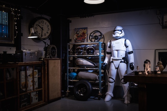Star-wars-inflatable-first-order-stormtrooper-1