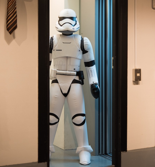 Star-wars-inflatable-first-order-stormtrooper-7