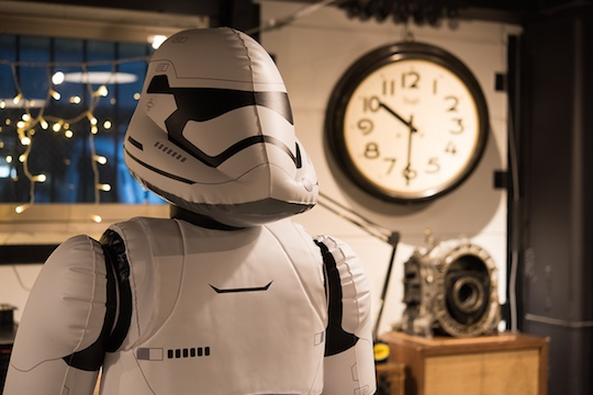 Star-wars-inflatable-first-order-stormtrooper-6