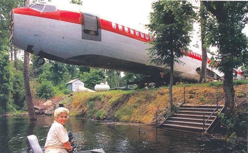 Livingonplane